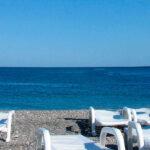 Transmisión del SARS-CoV-2 en playas y piscinas